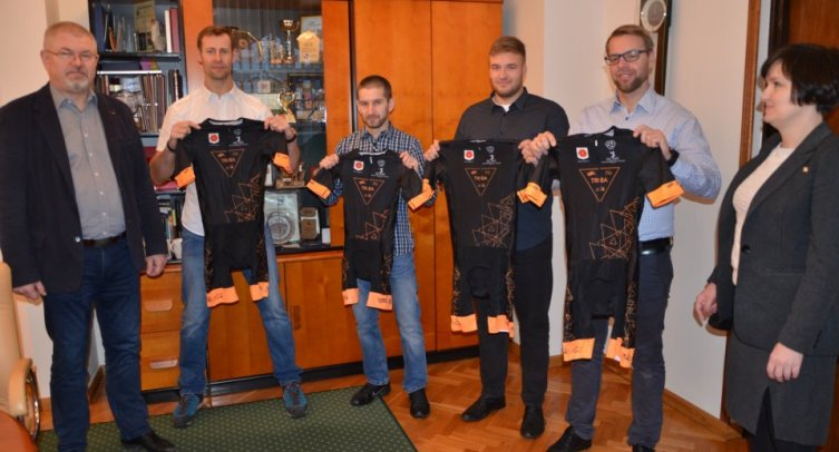 Michał Pęziak, Marcin Ruciński, Piotr Grochowiak, Radosław Sosiński, Krzysztof Nowak i Lena Patalas – fot. Grzegorz Smoliński