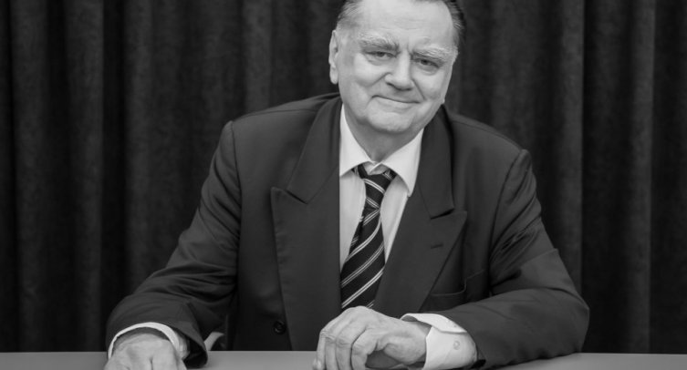 Jan Olszewski – Premier w latach 1991–1992, Kawaler Orderu Orła Białego, zdjęcie ze strony internetowej prezydent.pl